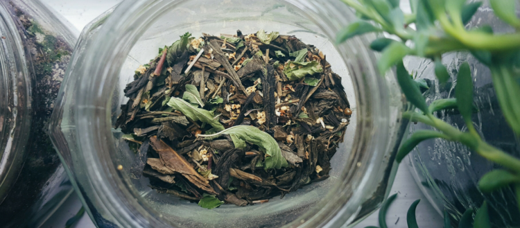 Waning Moon Tea Blend Recipe | The Witch of Lupine Hollow
